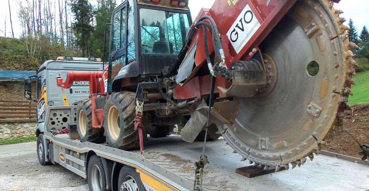 Prevozi kmetijske mehanizacije BADER