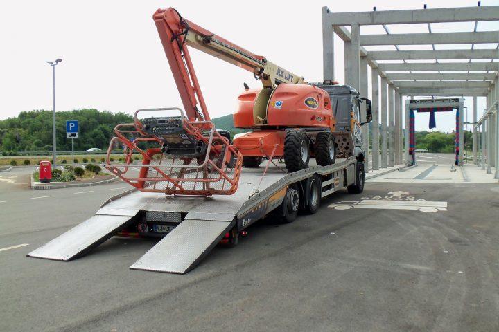 Prevozi kmetijske in gradbene mehanizacije